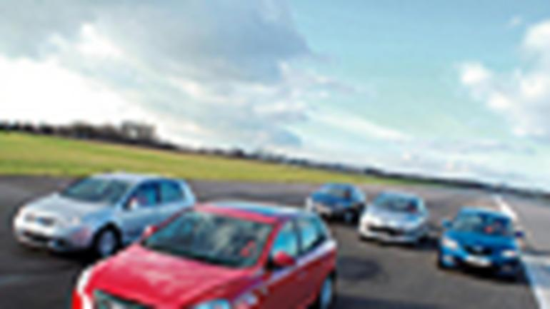 """Kia Cee'd, VW Golf, Mazda 3, Opel Astra, Peugeot 307 - Kto przebije """"koreańczyka""""?"""