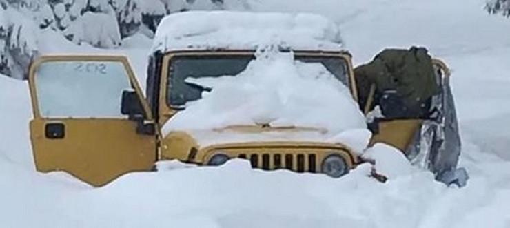 zaglavljeni u snegu