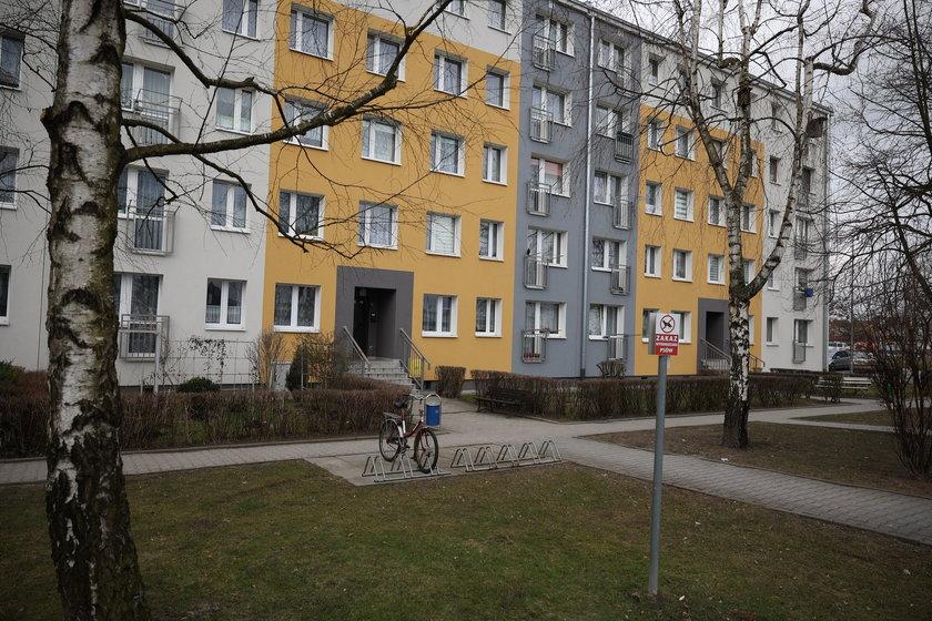 Rodzinna tragedia w mieszkaniu przy ulicy Kapelanów Wojskowych w Knurowie.