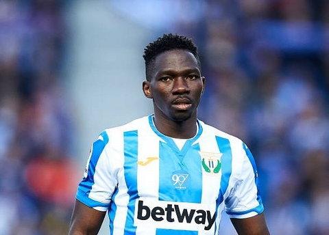 Kenneth Omeruo atualmente joga pelo Leganes na Espanha (Getty Images)
