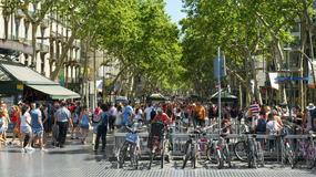 Barcelona pęka w szwach pod naporem turystów i zaczyna się buntować