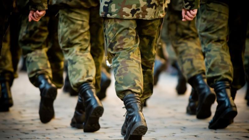 Setki żołnierzy podejrzanych w sprawie rozpowszechniania intymnych zdjęć swoich koleżanek