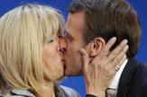 MAKRON i žena, poljubac foto Tanjug AP (1)
