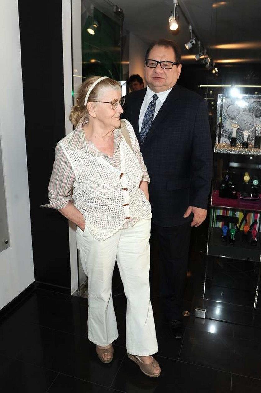 Ryszard Kalisz z mamą w Toy Watch