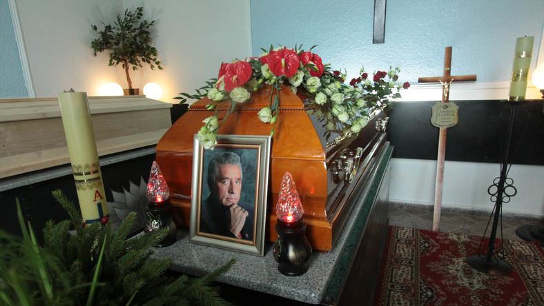 Trumna z ciałem lidera Samoobrony Andrzeja Leppera
