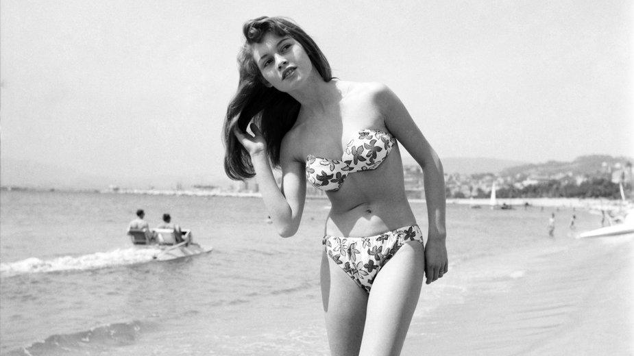 Brigitte Bardot na festiwalu w Cannes w 1953 r.