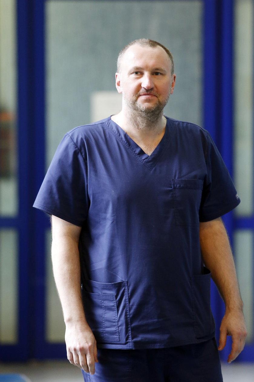 Dr nauk med. Janusz Kuśmierz przeprowadził operacje w WSS nr 4 w Bytomiu