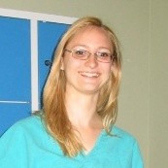 Ovo je Danijela R. koja je sebi i ćerki prerezala vene u porodičnom stanu