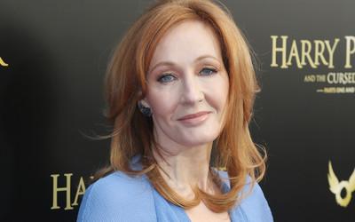 J.K. Rowling i wpisy na Twitterze: pisarka odpowiada na krytykę