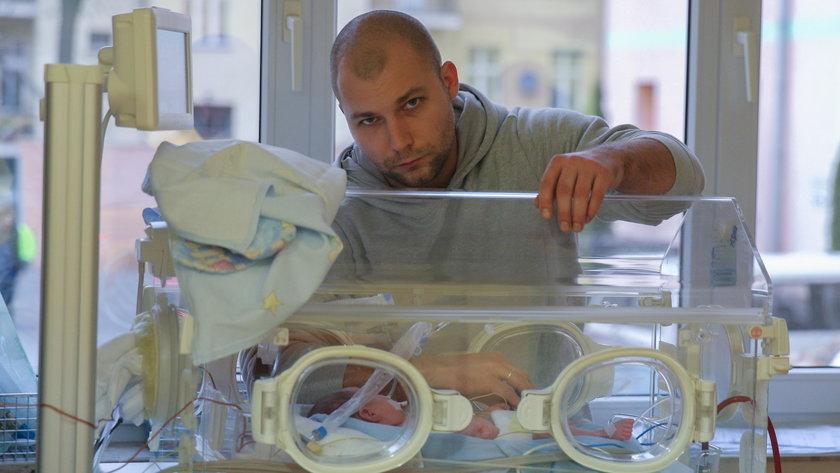 Bartłomiej Bonk z córką