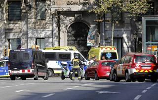 Zamach w Barcelonie. Reuters: Jeden z terrorystów zginął w wymianie ognia