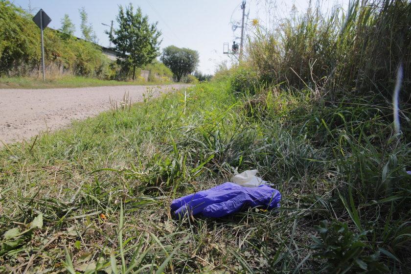 Matka znalazła ciało syna na ulicy. Tajemnicza śmierć 15-latka w Ksawerowie. Co go zabiło?