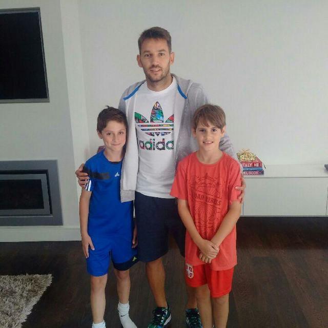Luka Jevtić i Petar Anđelković sa Milošem Ninkovićem