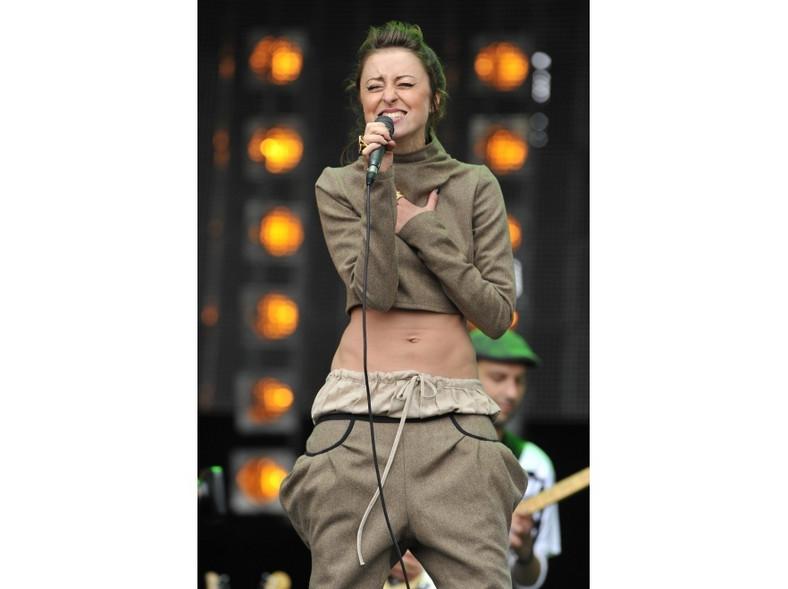 Czy Natalia Przybysz wypromuje modę na odkryty brzuch?