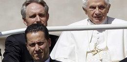 Zdradził papieża. Miał wspólnika?