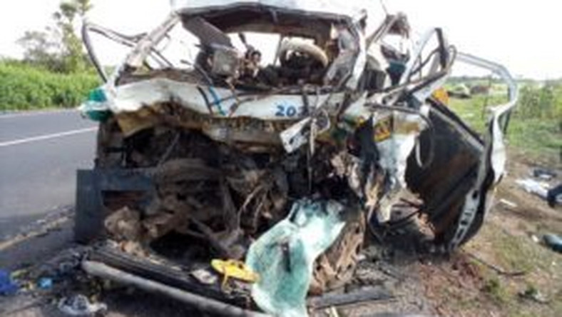 The wreck of the Toyota Hiace bus involved in an head-on collision with an articulated DAF truck at Bacita junction, on Ilorin-Jebba-Mokwa highway on Thursday    [NAN]