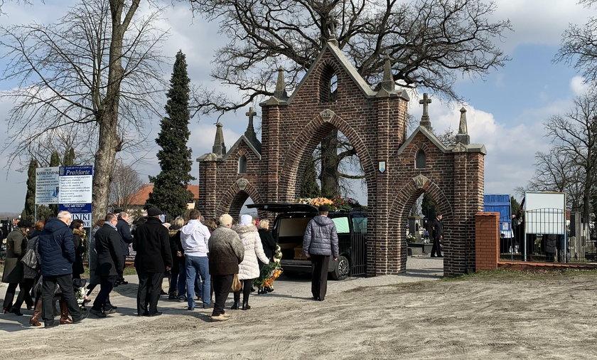 Koronawirus w Polsce. Co z pogrzebami?