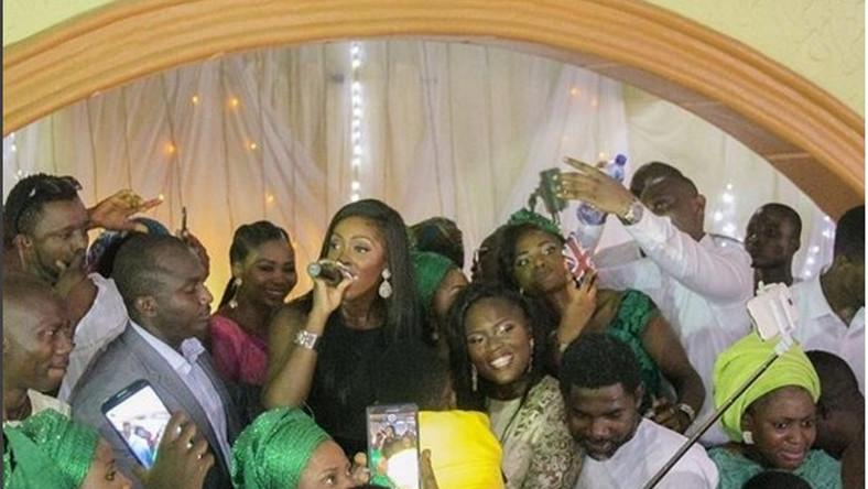 Tiwa Savage Singer surprises bride at her wedding ceremony