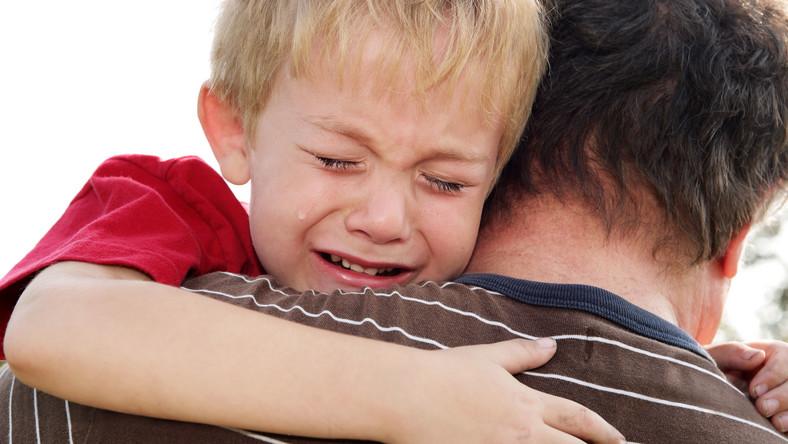 Dorastający chłopcy w szczególny sposób odczuwają brak ojca