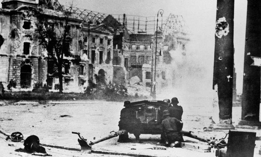 7 sierpnia: Powstaje szlak ewakuacyjny dla ludności