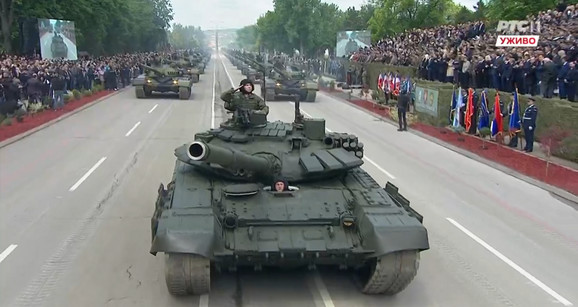 Vojna parada, Niš, Tenkovi