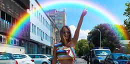 Małgorzata Rozenek dopiero co wróciła z Meksyku, a już ruszyła na Paradę Równości. Zadbała o tęczową stylizację