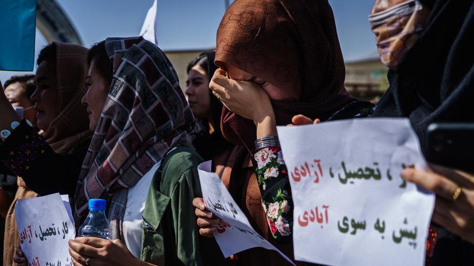 """""""Najpierw islam"""". Uniwersytet w Kabulu  zamknięty dla kobiet"""