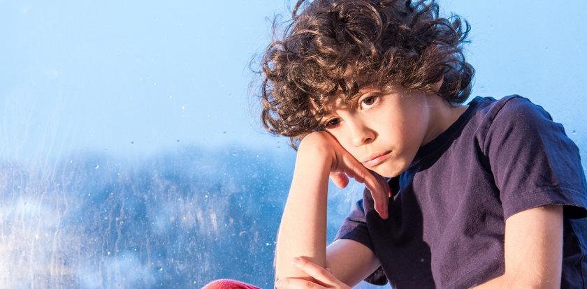 Pandemiczne sieroty. Jak pomóc dziecku w żałobie?