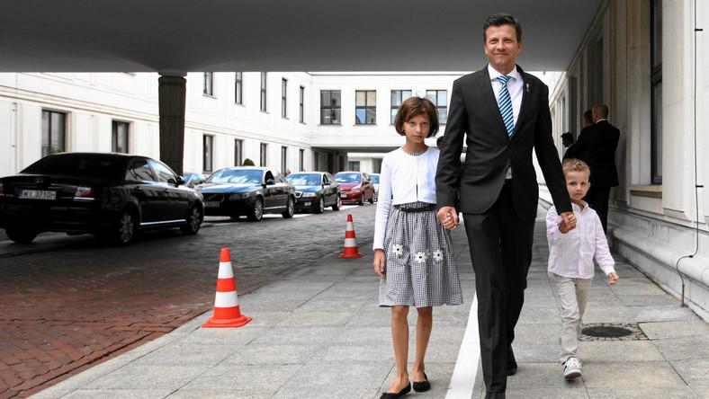 Rzecznik Praw Dziecka Marek Michalak przed Sejmem