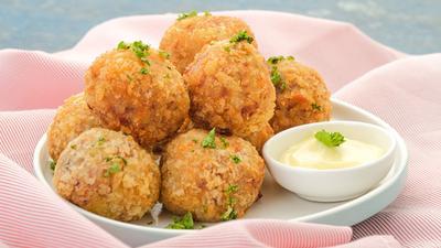 DIY Recipes: How to make Corned beef yam balls