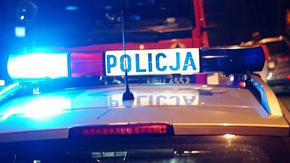 Tragedia pod Warszawą. Mężczyznę przygniótł samochód, źródło: FB Polska Policja