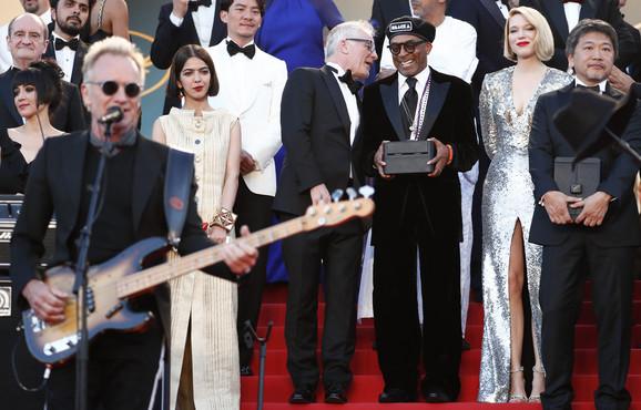 Sting je nastupao na ceremoniji zatvaranja
