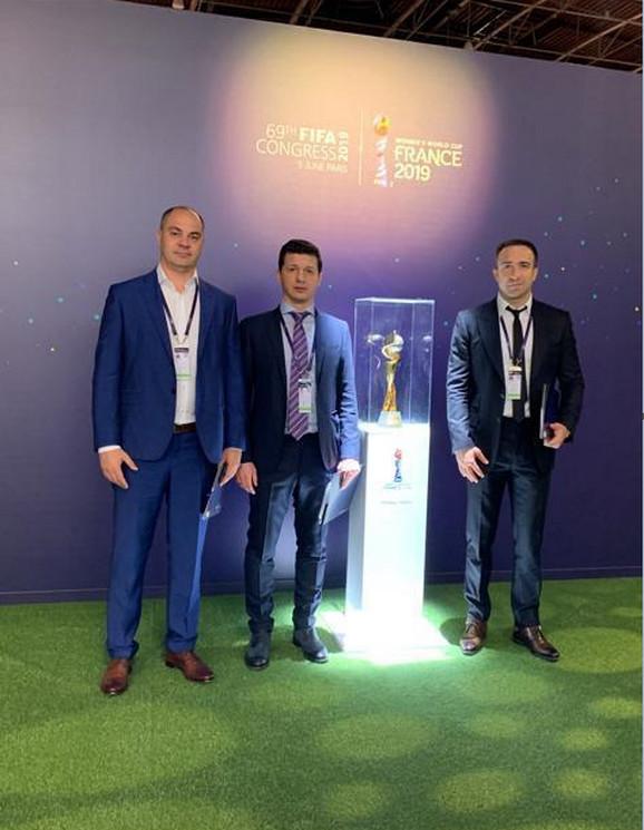 Mirko Gluščević, zamenik generalnog sekretara, Marko Pantelić, potpredsednik FSS-a i Bojan Pavićević, direktor za ženski fudbal i futsal u FSS-u