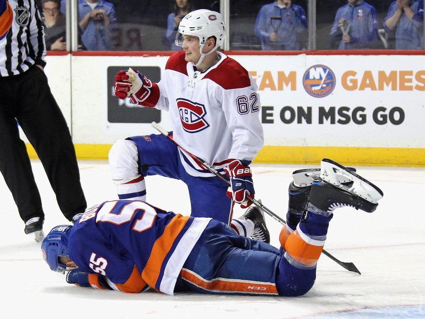 USA: hokeista Johnny Boychuk uderzony łyżwą w oko. Ma 90 szwów