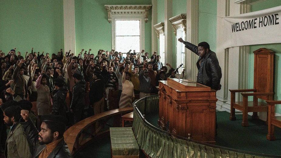 "Daniel Kaluuya w filmie ""Judas and the Black Messiah"""
