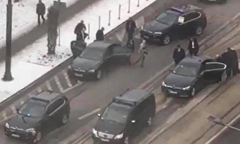 Czy kierowcy prezydenta są nierozważni? Odpowiada doradca Dudy