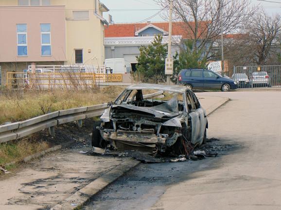 Šteta se procenjuje na oko 10.000 evra koliko je vredeo automobil