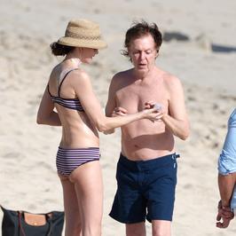 Paul McCartney z żoną na plaży. Nie wyglądają na swój wiek!