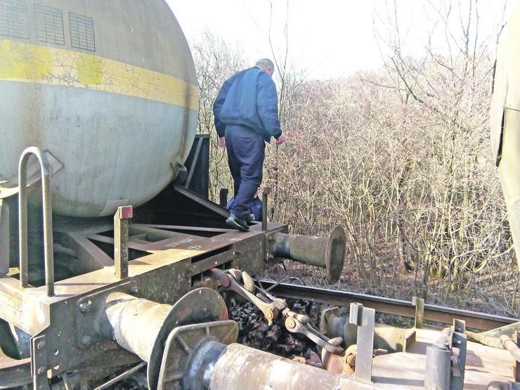 Vagoni sa fosfornom kiselinom iskliznuli kod Jasenovika