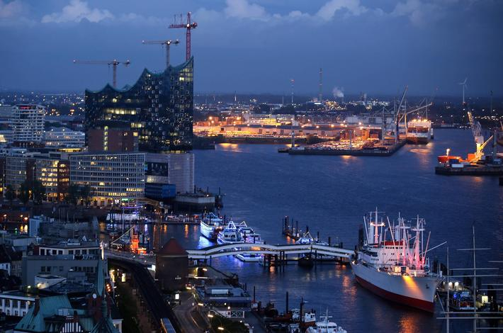 Blue hour in Hamburg