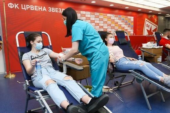 SJAJNA CRVENO-BELA AKCIJA Zvezdaši ponovo donirali krv i za dva dana prikupili 280 jedinica!
