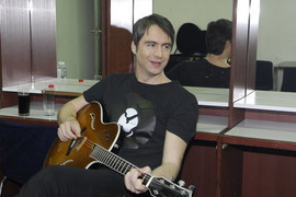 STIŽU RODE Pevač čeka prinovu sa Hrvatskom manekenkom koja je od njega MLAĐA 27 GODINA