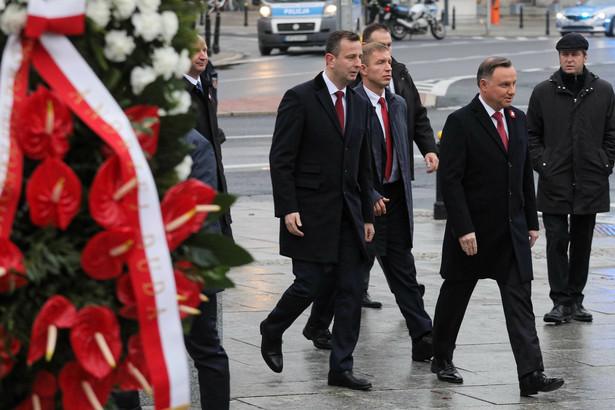 Jesteśmy krajem dużo bezpieczniejszym, niż byliśmy w 2014 czy w 2015 r. – powiedział w radiowej Jedynce prezydent Andrzej Duda. Podsumował, że współpraca militarna Polski z USA się zwiększa. Mówił też o tym, że dobrze układa się współpraca sąsiedzka Polski i Litwy.