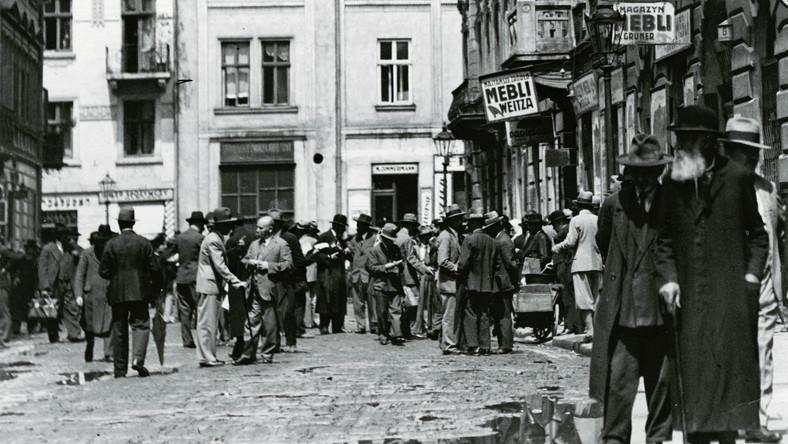 Uliczni sprzedawcy we Lwowie, 1932 r.