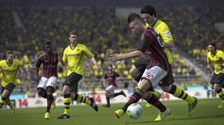 """FIFA 14: Nowa jakość czy """"odgrzewany kotlet""""?"""
