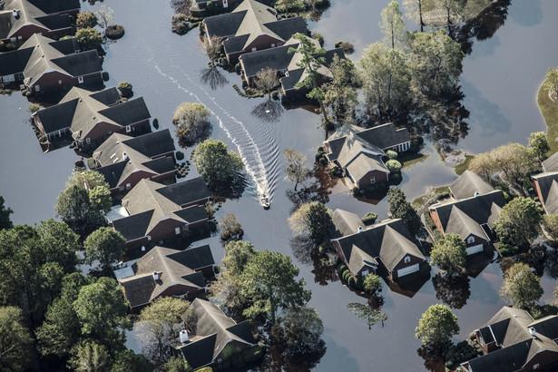 Domy zalane w wyniku huraganu Florence w Wallace w Karolinie Północnej