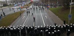 Antyrządowe protesty w rocznicę stanu wojennego. Tysiące ludzi i policjantów na ulicach!