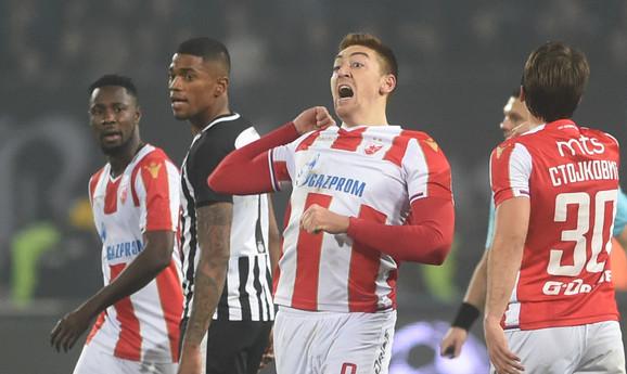Milan Pavkov na meču sa Partizanom