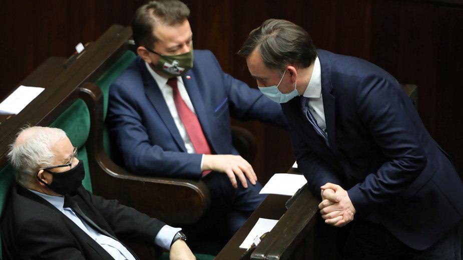 Twarde negocjacje na posiedzeniu rządu. Zbigniew Ziobro pod presją