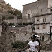 U gradiću na Siciliji stan možete kupiti ZA ŠOLJICU KAFE, ali postoji jedna CAKA